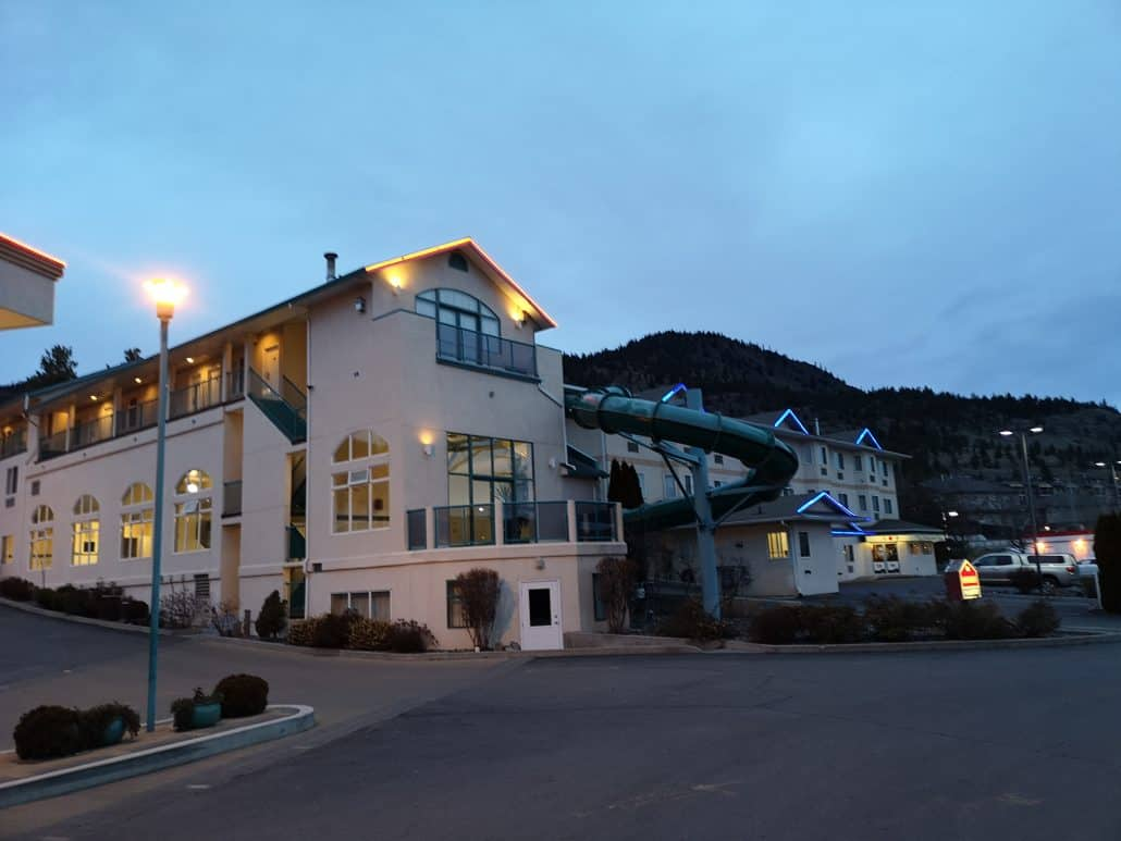 places to stay in Merritt BC Ramada water slide