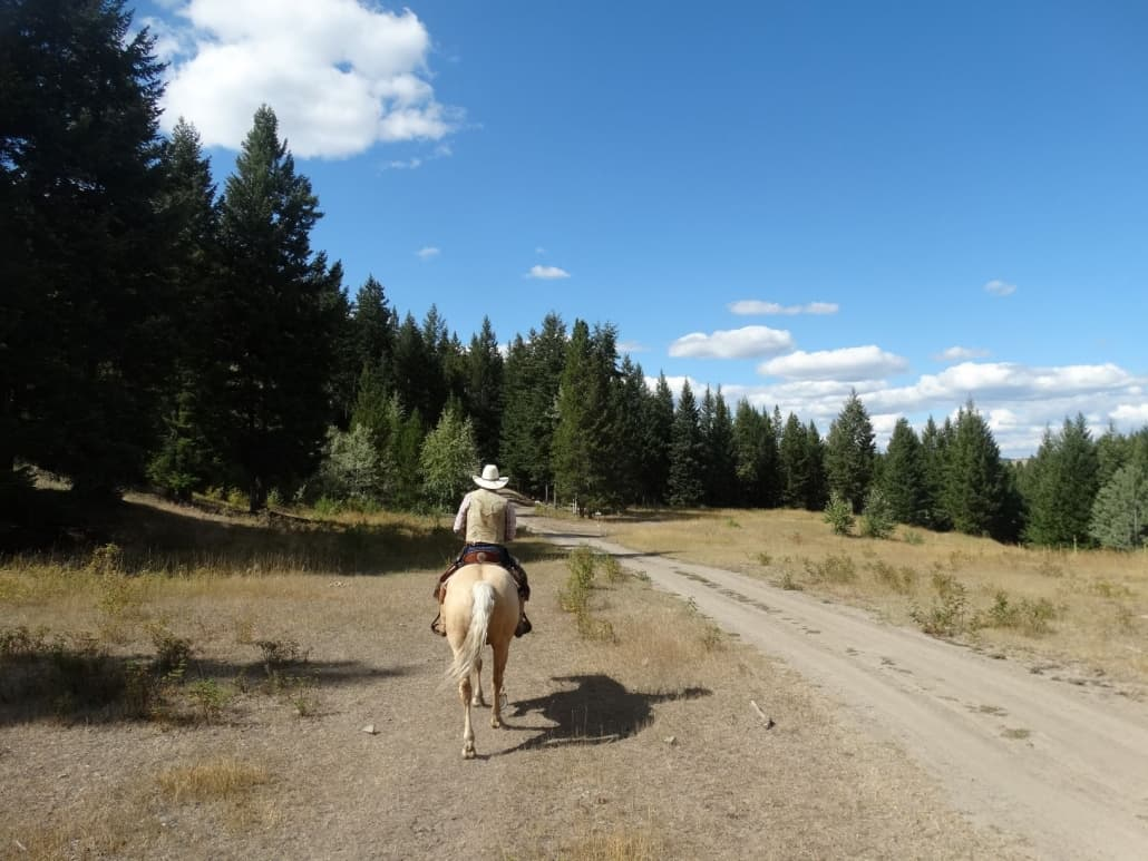 Trail riding in the Nicola Valley