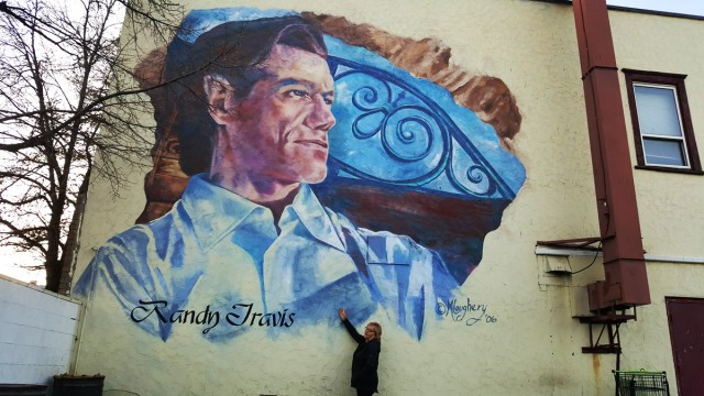 randy travis mural in merritt