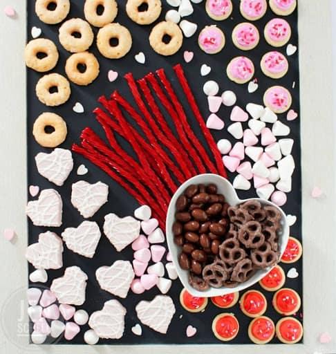 Candy board. Candy Grazing Board
